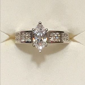 Sterling silver white topaz engagement ring sz 7🎁